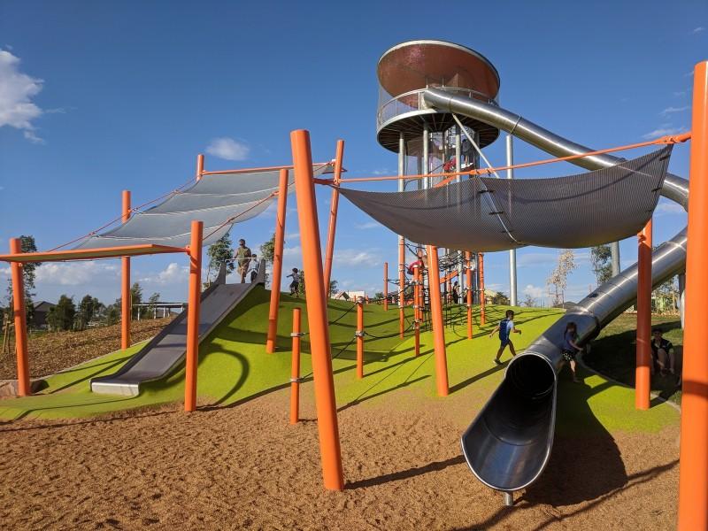 Altrove Hilltop Park Schofields