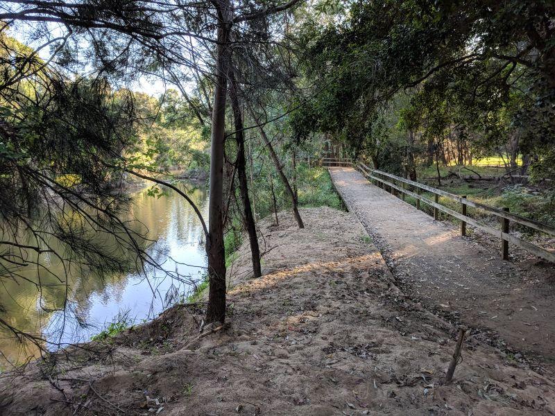 Walking trail Redbank track