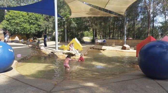 Larger splash pool Putney Park
