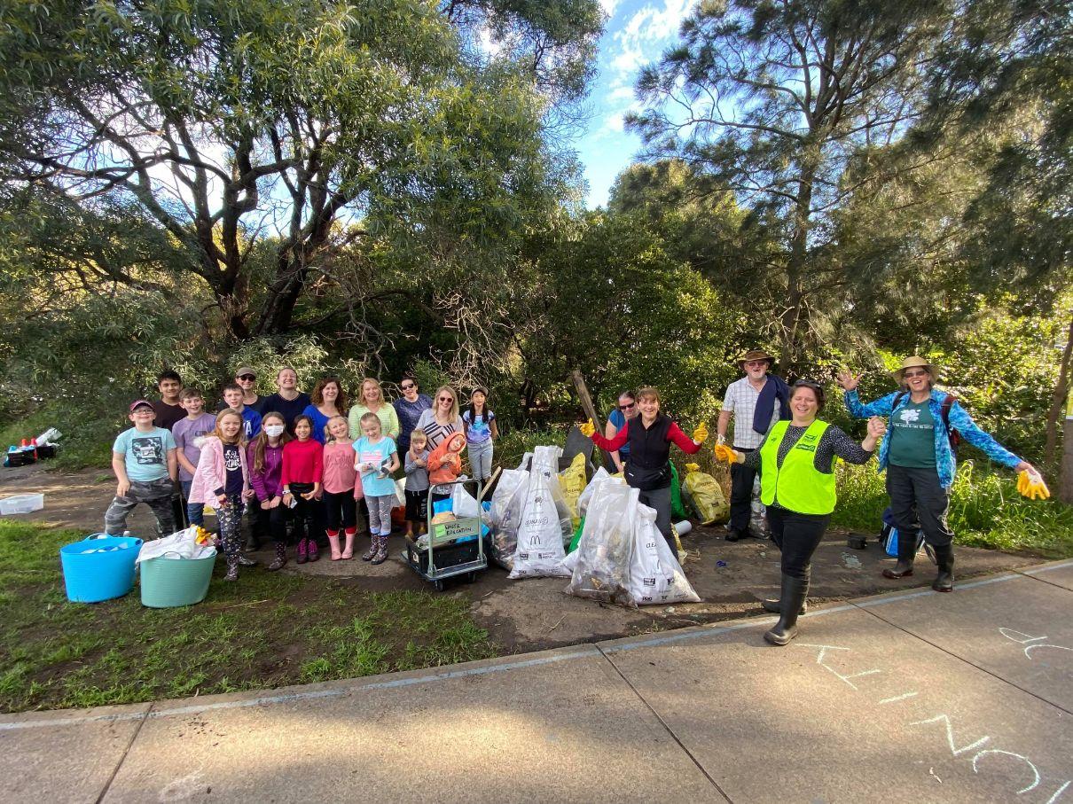 Litter clean up George Kendall Riverside Park